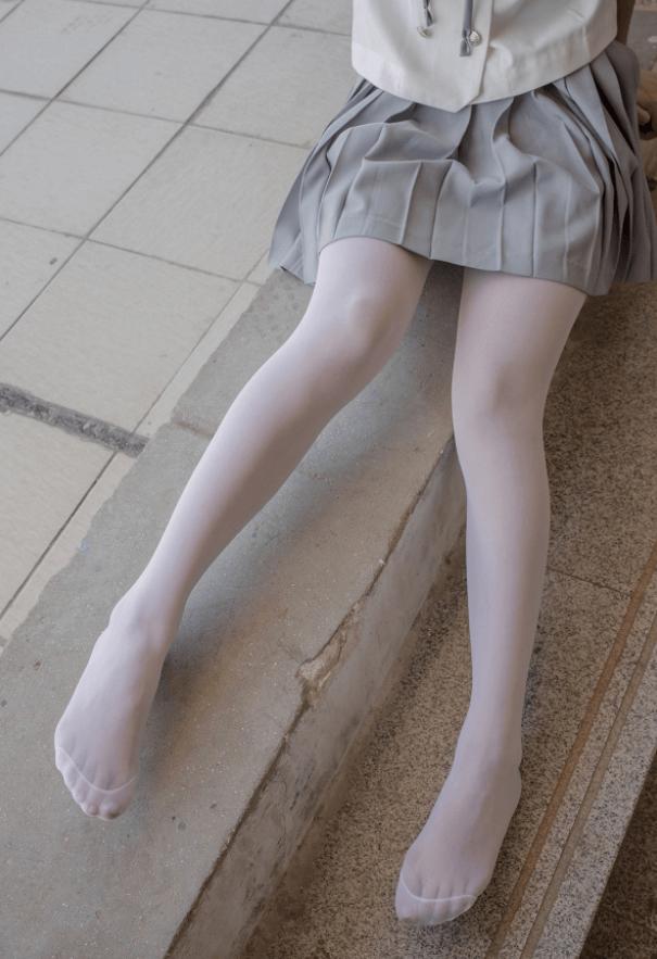 宅男福利-028-15D白丝湖边仰望天台少女写真-痴痴资源网