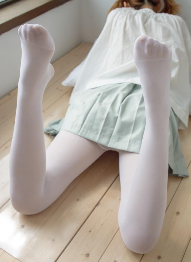 宅男福利-09青衣小裙白丝萝莉套图写真集-可爱的一批-痴痴资源网