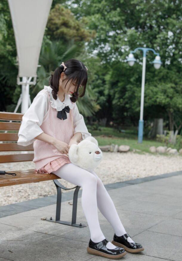 宅男福利-07粉色短裙白丝萝莉套图写真集-可爱的一批-痴痴资源网